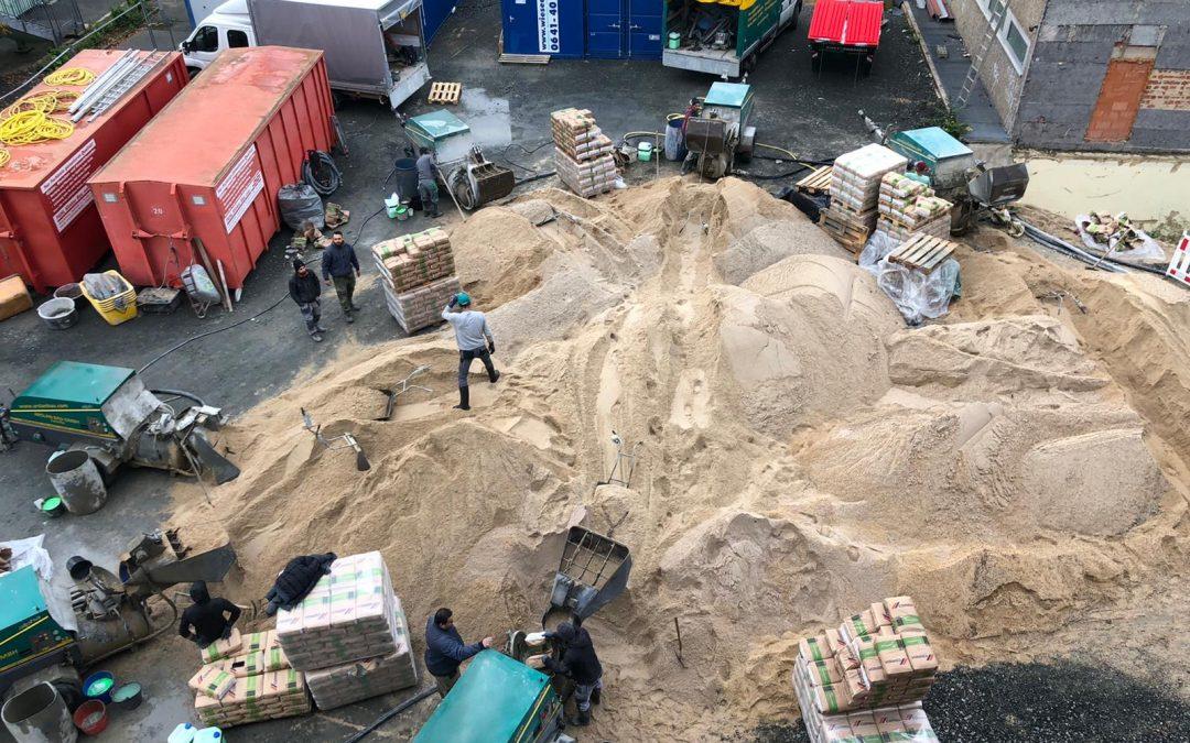 Arslan Bau pumpt mit 8 Estrichmaschinen gleichzeitig